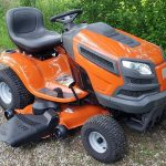 Husqvarna YTH24V48 24 HP vrtni traktor